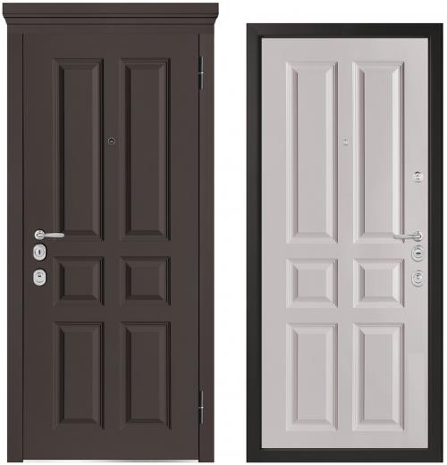 Metāla durvis ar skaistu apdari.